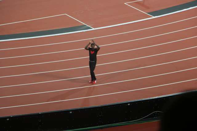 Usain Bolt thanks all the spectators for their support.